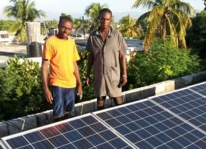 Mit diesen Mitarbeitern haben wir dann die 2. Solaranlage auf dem Jungenheim fertig gestellt.